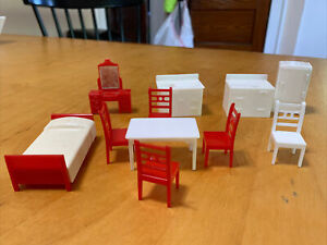 VTG  lot  KITCHEN BEDROOM  FURNITURE Red  Dollhouse Furniture Pieces DH3