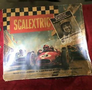VINTAGE SCALEXTRIC RACE SET