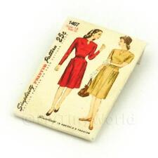Maison de poupées miniature Simplicity patron robe paquet (dpp006)
