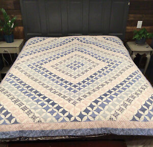 Vintage Cathedral Window Diamond Patchwork Quilt Blue & White 65 X 82 BEAUTIFUL!