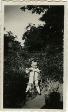 PHOTO ANCIENNE - VINTAGE SNAPSHOT -  ENFANT VÉLO TRICYCLE OMBRE - BIKE SHADOW