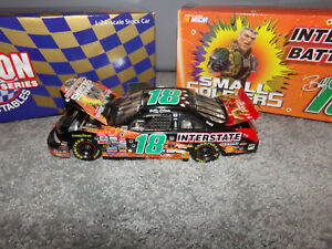 1/24 BOBBY LABONTE #18 INTERSTATE BATTERIES / SMALL SOLDIERS 1998 ACTION NASCAR