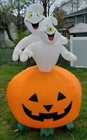 Gemmy Halloween Airblown Inflatable 2 Ghosts on Pumpkin w/ Chain 7ft Tall