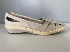 Grasshoppers Gel Flex Beige Cut Out Wedge Shoes Womens 10