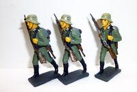 3 Lineol Duscha ? Wehrmacht vorgehend Gewehr vor Brust Deutschland Masse 7,5cm