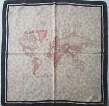 ALVIERO MARTINI  foulard 100% soie  en TBEG vintage  67 x 70 cm