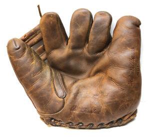 Vtg 1940s Ted Williams ARCO Sporting Goods Split Finger Baseball Glove Mitt Nice