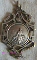 BG11449 - INSIGNE BADGE UNION VELOCIPEDIQUE ARGENTEUIL 1943