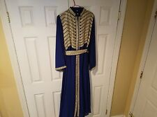 middle eastern dress/abaya