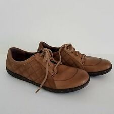 BORN 7 M Oxfords Brown Leather & Suede Shoes Diamond Pattern Comfort Lace Ups