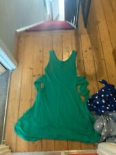 boden size 12 green dress with waist tie. knee length no sleeves size 12-14