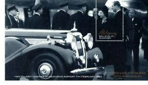 A LOVELY £2 UMM 2002 ALDERNEY M/S DEPICTING 50TH ANNIVERSARY OF HM THE QUEEN