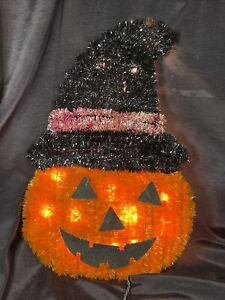 Wireframe Tinsel PUMPKIN IN WITCH HAT light up wall decor