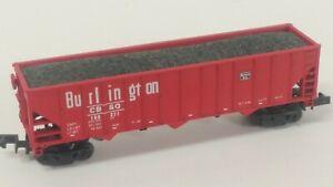 Life Like N Scale Burlington Route (CB&Q) 3-Bay Ribbed Hopper with Coal #160371