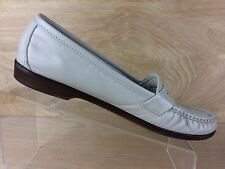 Womans SAS Tripad Comfort Taupe Slip On Penny Loafers Size 9.5 Made In The US
