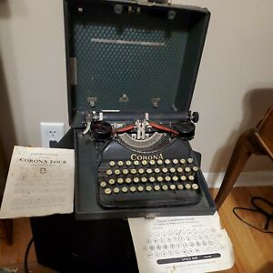 Vintage 1925 Corona Four Portable Typewriter with case & Red & Black Ribbon