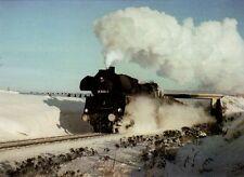 Postkarte: Güterzug-Dampflokomotive 58 3006 der DR bei Meerane, Winter 1979