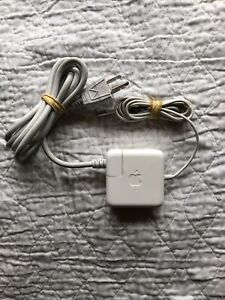 Delta Electronics ADP-45GD B, Mint Condition Apple MacBook Charger