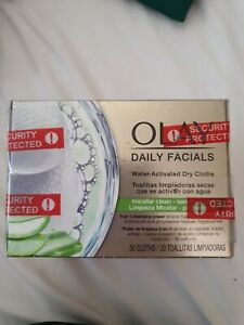 OLAY Daily Facials Water Activated Dry Cloths 5 in 1 Cleansing Power NEW UK