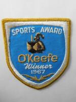 O'KEEFE ALE BEER VINTAGE SPORTS AWARD PATCH BADGE 1967 KNIGHT LABEL LOGO CREST