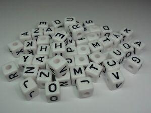 150 Kunststoff Buchstaben, Buchstaben geprägt für Schnullerketten weiss