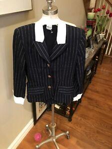 Ladies sz 3/4 vintage blazer in Navy Blue&White pin stripe w/ white collar. FREE