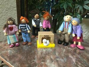 HAPE Modern Family Of 6 Bendable Wooden Dolls Kids Parents Grandparents