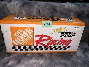 TONY STEWART HOME DEPOT 1999 PONTIAC STOCK CAR 1:18 Diecast (4794/4788)