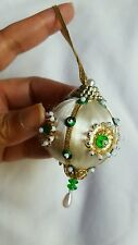 Beautiful Vintage Christmas Tree Ornament • Pre-owned • Christmas in July 🎄