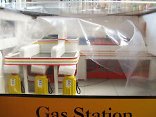 MTH Railking Operating Shell Gas Station with Die Cast Auto O Gauge Lionel Type