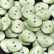 Mercerie lot de 5 boutons carrés plastique vert olive blanchi 14mm button