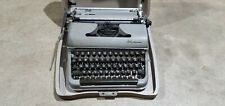 Olympia SM3? DeLuxe Manual Typewriter Green #465985