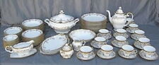 Vintage Weimar Katharina 14051 89 Piece Dinnerware Set For 12 w Serving Pieces