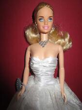 B972) Barbie como novia mattel 1998 vestido de bodas + aretes + zapatos blancos + bolsa