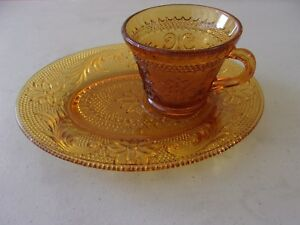 Tiara Indiana Glass Amber Sandwich Snack Plates and Cups