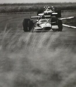 "PHIL HILL LOTUS 49 FORD 1969 Silverstone GP F1 Schlegelmilch 9x10"" Photo Print"