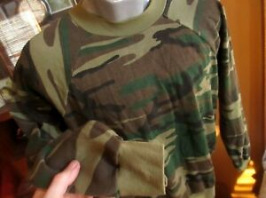 LARGE True Vtg 80s Sweat SHIRT MADE IN USA THIN WOODLAND CAMO ULTRA THIN