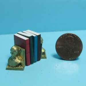 Dollhouse Miniature Lincoln Bust Bookends Includes 4 Books with Pages ISL5110