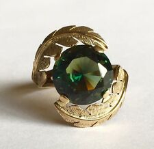 Beautiful Ladies 10 Karat Gold Synthetic Alexandrite Solitaire Ring Size 7