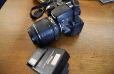 Nikon D5100 con objetivo AF-S 18-55mm VR F/3