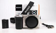 Sony A6000 Mirrorless solo corpo-fotocamera-E-Mount + WIFI + 2,096 scatti + Scatola