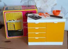 PEDIGREE SINDY DOLL EASTHAM E-LINE FLOOR CUPBOARD  (Ref 44549) ACCESSORIES & BOX