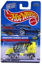 1998 Hot Wheels #863 Oshkosh Cement Mixer