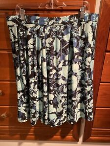 Lularoe Madison 3XL - Leaves in shades of green