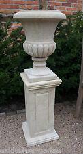 Amphore aus Naturstein mit Postament, Steinamphore, Gartenvase,Gartenpokal,