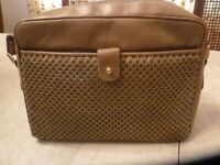 VINTAGE WHITING & DAVIS TAUPE LEATHER & MESH LINED SHOULDER/CROSS BODY BAG