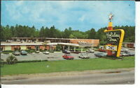 CA-146 GA, Jessup Holiday Inn Chrome Postcard exterior View with Old Cars