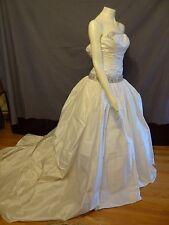 Ines Di Santo ruched bodice with Swarowski Beaded trim Wedding Dress size 4