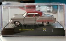 M2 Machines 1:64 Auto-Shows 59 - 1954 Chevy Bel Air Kustoms Silver