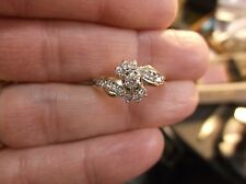 "BEAUTIFUL LADIES 14K YELLOW GOLD & DIAMOND ""KEEPSAKE"" WEDDING RING, NO GUARD"